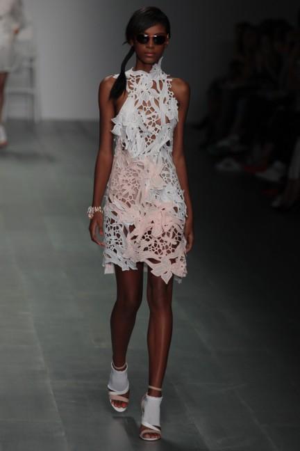 bora-aksu-london-fashion-week-spring-summer-2015-32