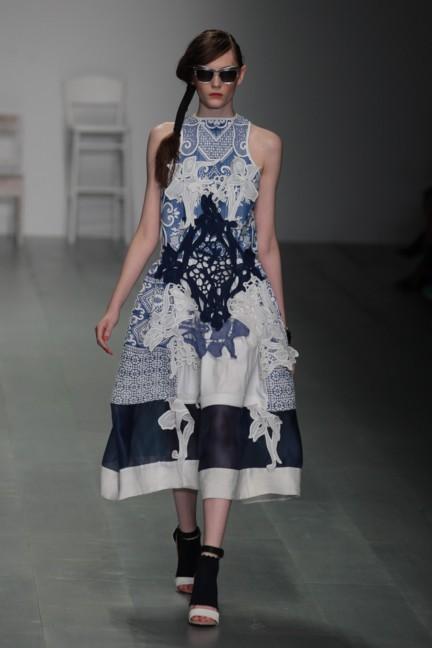 bora-aksu-london-fashion-week-spring-summer-2015-38