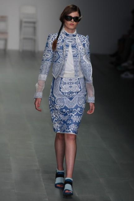 bora-aksu-london-fashion-week-spring-summer-2015-40