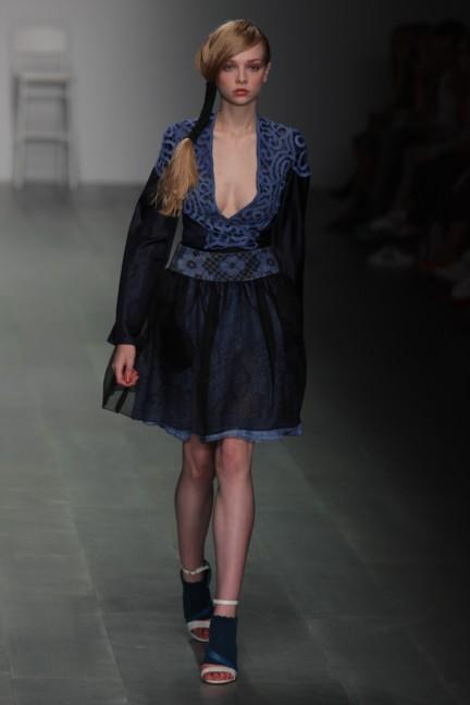 bora-aksu-london-fashion-week-spring-summer-2015-44
