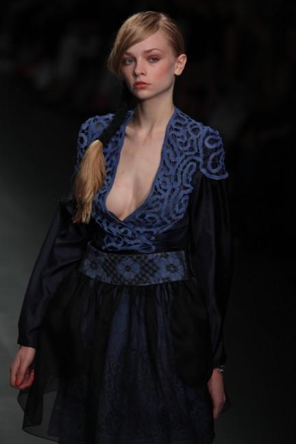 bora-aksu-london-fashion-week-spring-summer-2015-45