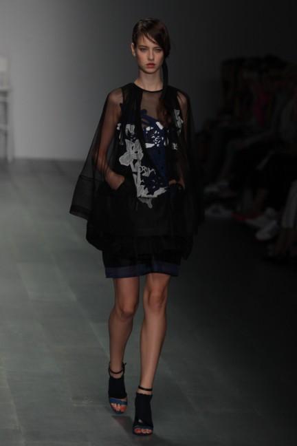 bora-aksu-london-fashion-week-spring-summer-2015-46
