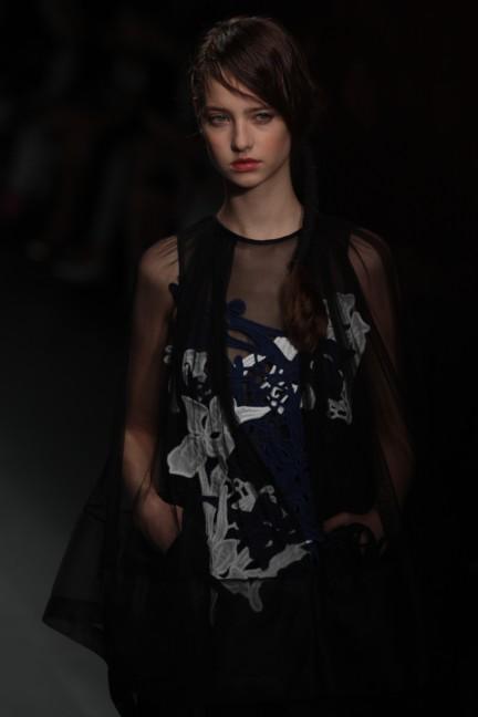 bora-aksu-london-fashion-week-spring-summer-2015-47