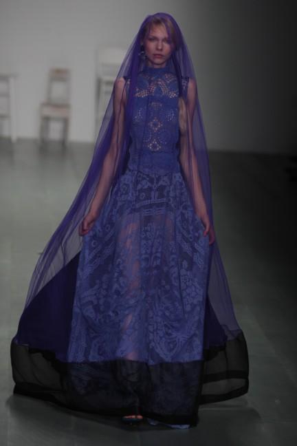 bora-aksu-london-fashion-week-spring-summer-2015-50