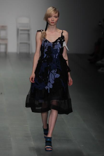 bora-aksu-london-fashion-week-spring-summer-2015-52