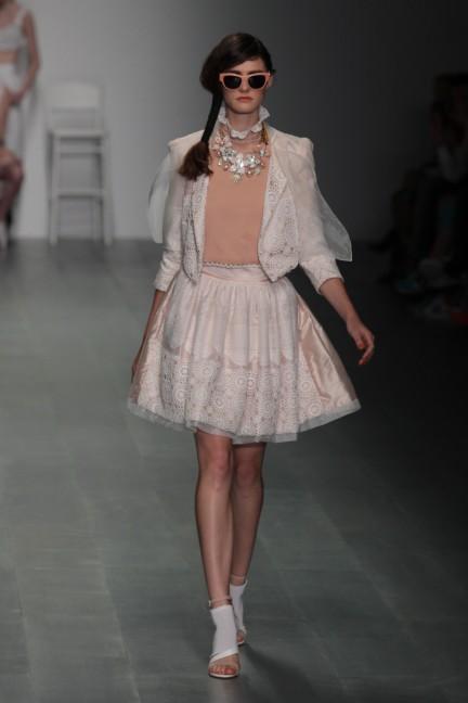 bora-aksu-london-fashion-week-spring-summer-2015-6