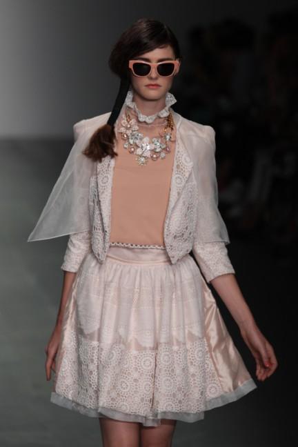 bora-aksu-london-fashion-week-spring-summer-2015-7