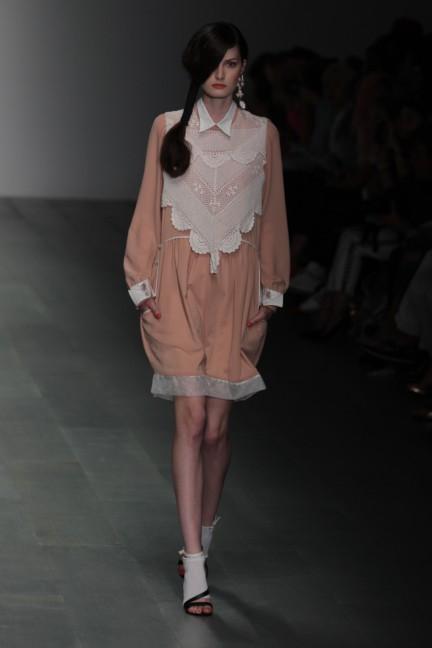 bora-aksu-london-fashion-week-spring-summer-2015-8