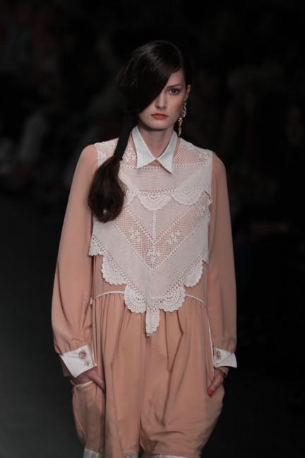 bora-aksu-london-fashion-week-spring-summer-2015-9