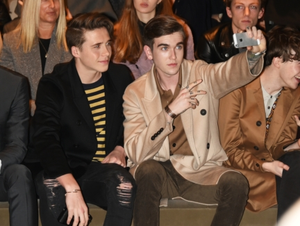 brooklyn-beckham-and-gabriel-kane-day-lewis-on-the-front-row-at-the-burberry-menswear-january-2016-show