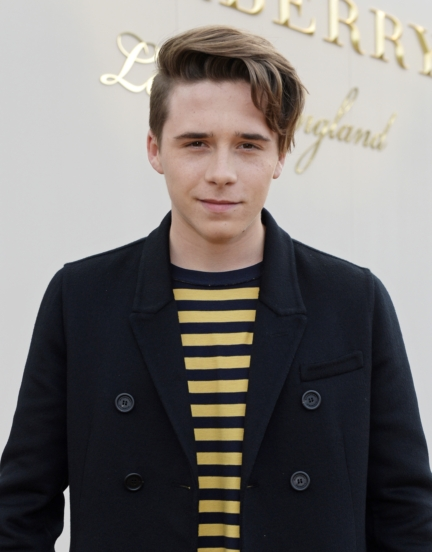 brooklyn-beckham-wearing-burberry-at-the-burberry-menswear-january-2016-show_002