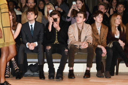 josh-whitehouse-brooklyn-beckham-gabriel-kane-day-lewis-and-alex-lawther-at-the-burberry-menswear-january-2016-show