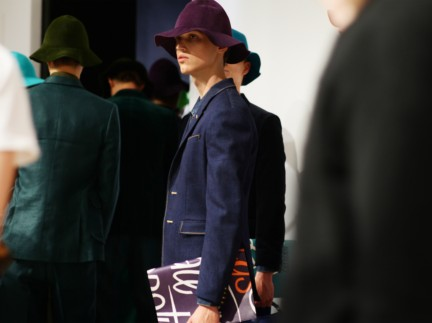 backstage-at-the-burberry-prorsum-menswear-spring-summer-2015-sho_010