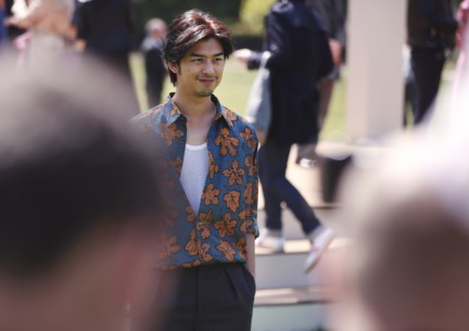 bolin-chen-wearing-burberry-at-the-burberry-prorsum-spring-summer-2015-show