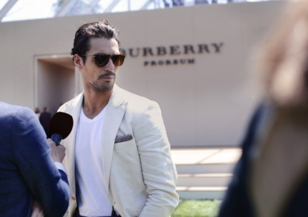 david-gandy-at-the-burberry-prorsum-spring-summer-2015-show