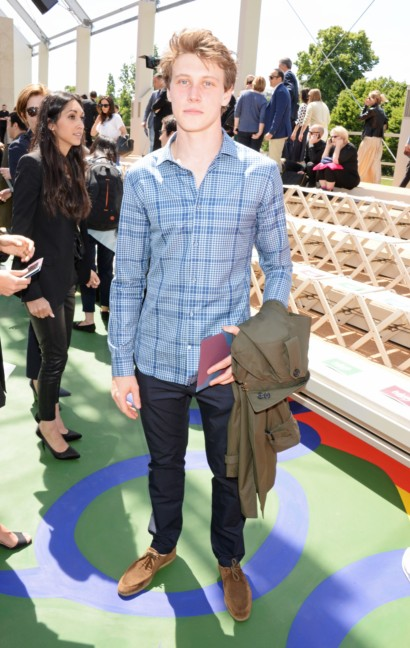 george-mackay-at-the-burberry-prorsum-menswear-spring_summer-2015-show