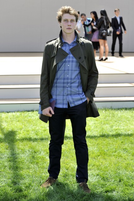 george-mackay-wearing-burberry-at-the-burberry-prorsum-menswear-spring-summer-2015-show