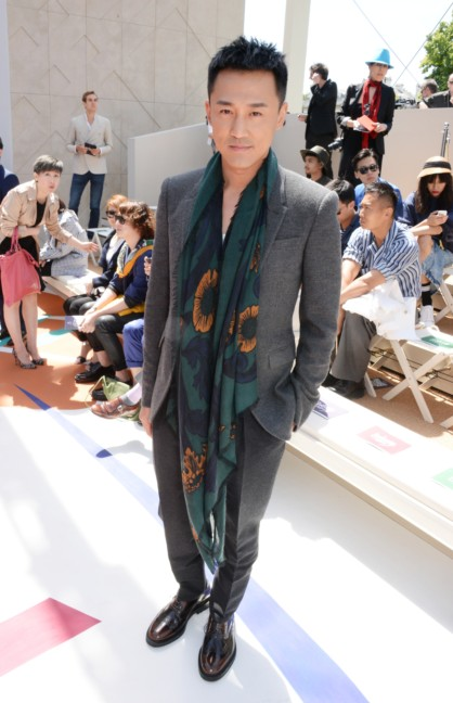 raymond-lam-at-the-burberry-prorsum-menswear-spring_summer-2015-show