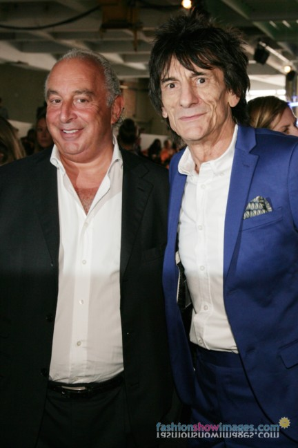 vv4n0171_philipgreen_ronniewood_1