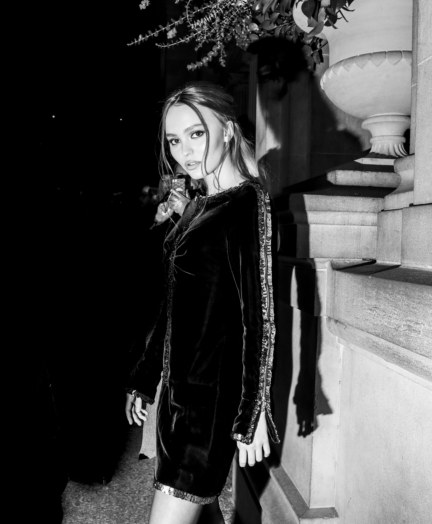 09_lily_rose_depp_at_the_paris_new_york_metiers_dart_show_1