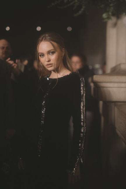 11_lily_rose_depp_at_the_paris_new_york_metiers_dart_show_1841