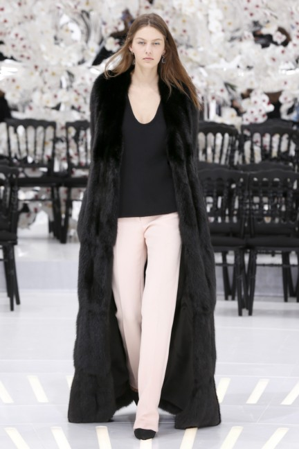 christian-dior-haute-couture-autumn-winter-2014-2015-25