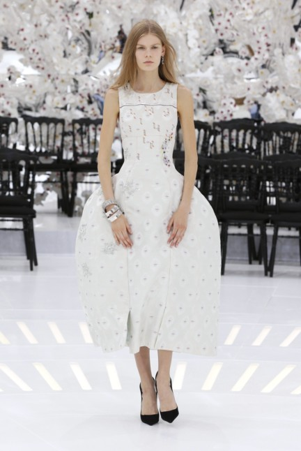 christian-dior-haute-couture-autumn-winter-2014-2015-3