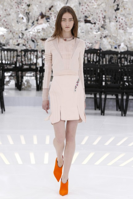 christian-dior-haute-couture-autumn-winter-2014-2015-32
