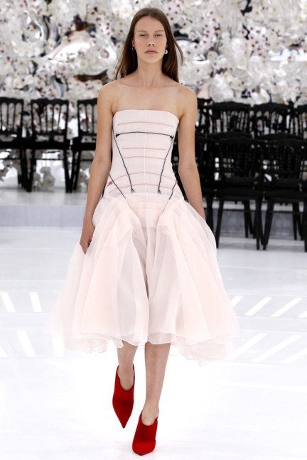 christian-dior-haute-couture-autumn-winter-2014-2015-62