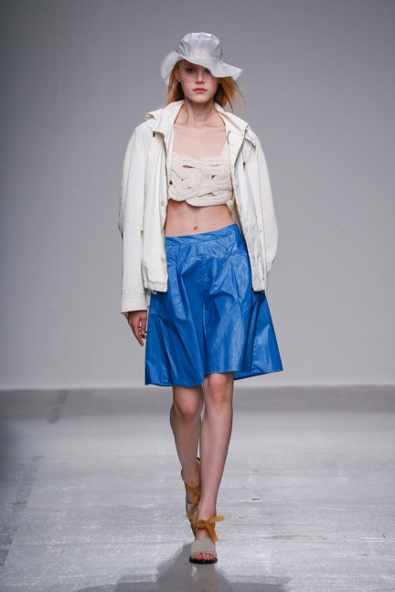 christian-wijnants-paris-fashion-week-spring-summer-2015-runway-30