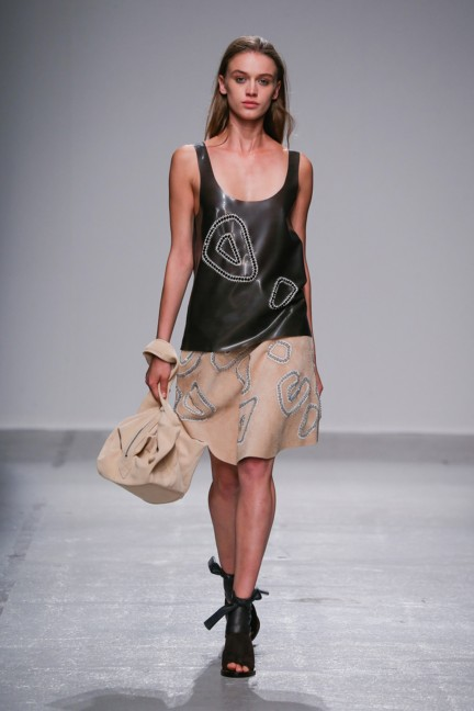 christian-wijnants-paris-fashion-week-spring-summer-2015-runway-33