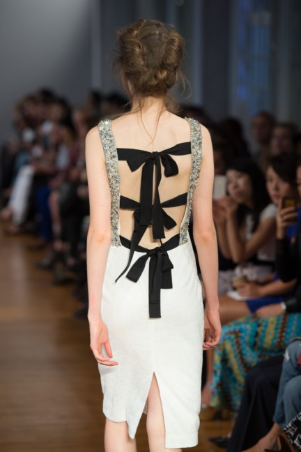 pfw-ss14-collette-dinnigan-catwalk-007