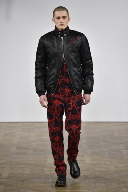 asger-juel-larsen-mercedes-benz-fashion-week-autumn-winter-2015-14