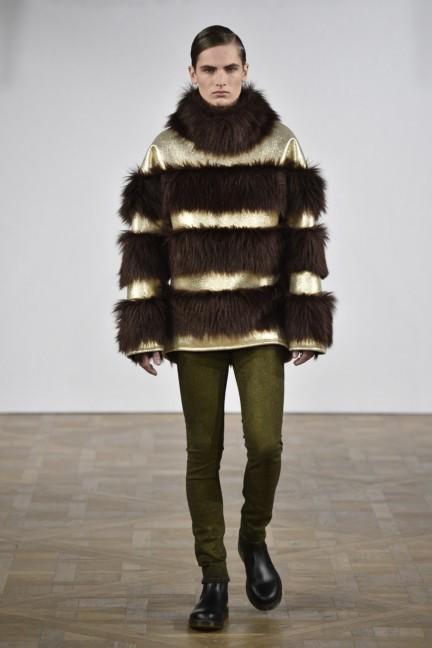 asger-juel-larsen-mercedes-benz-fashion-week-autumn-winter-2015-18