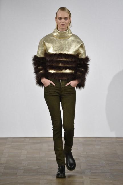 asger-juel-larsen-mercedes-benz-fashion-week-autumn-winter-2015-19