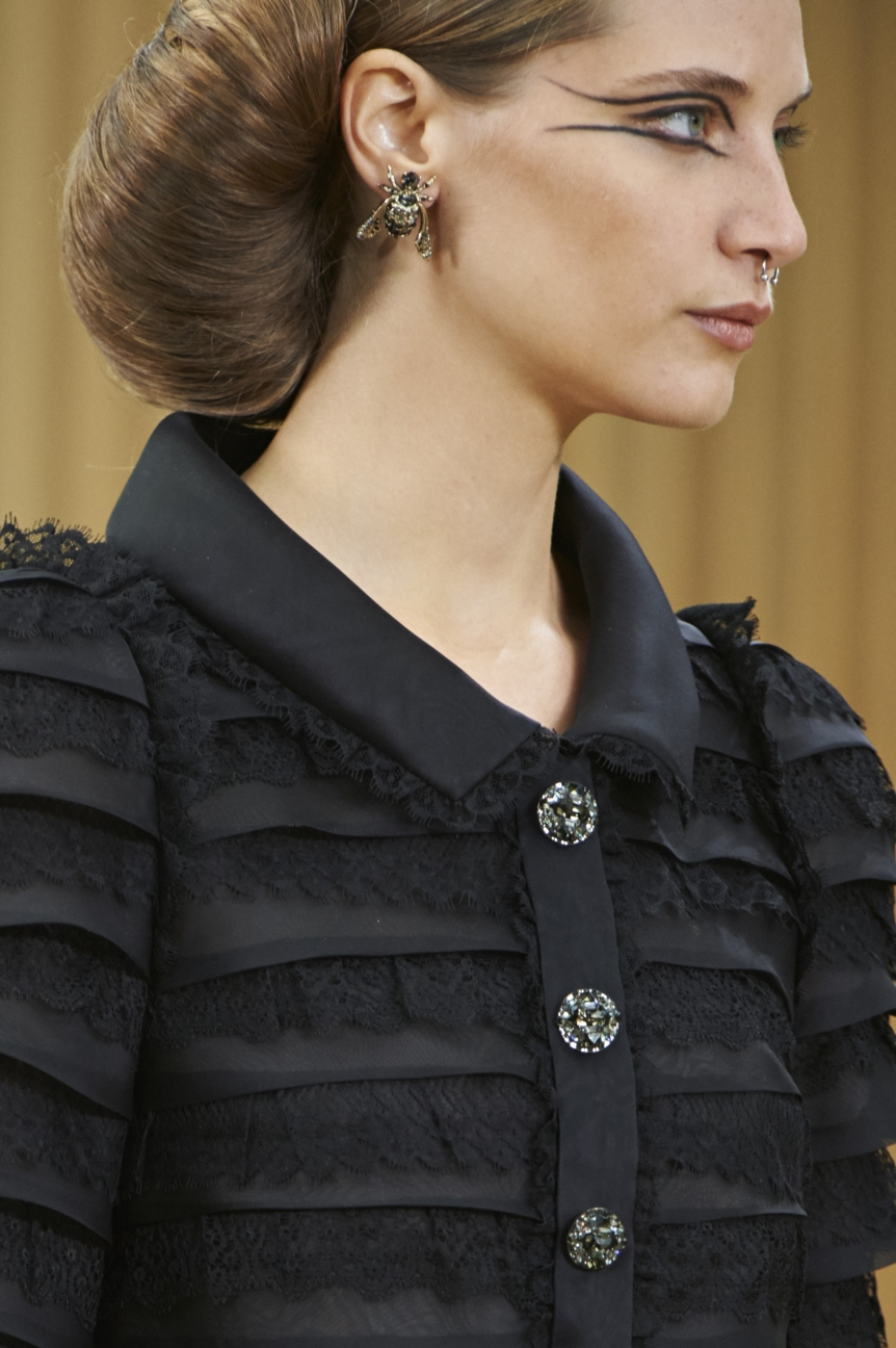 chanel-haute-couture-spring-summer-2016-details-14