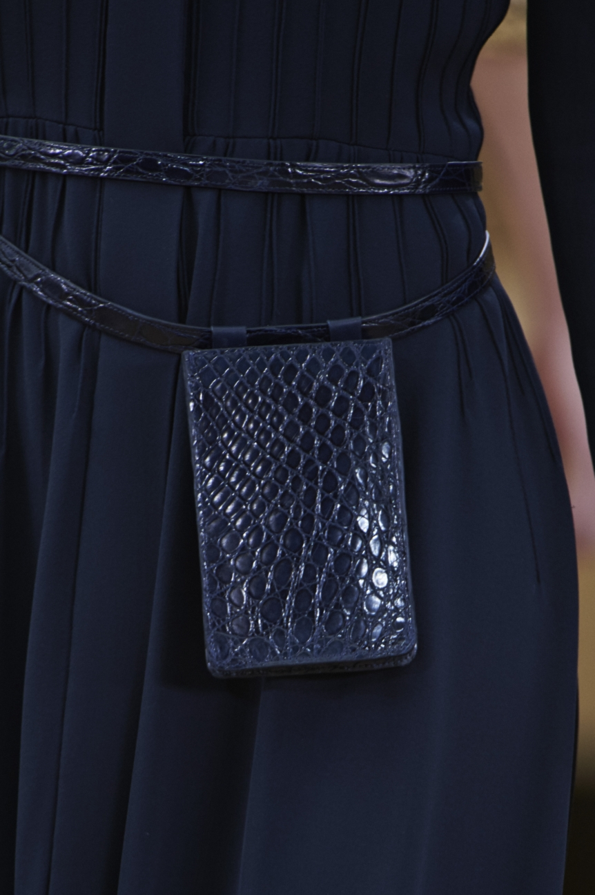 chanel-haute-couture-spring-summer-2016-details-15