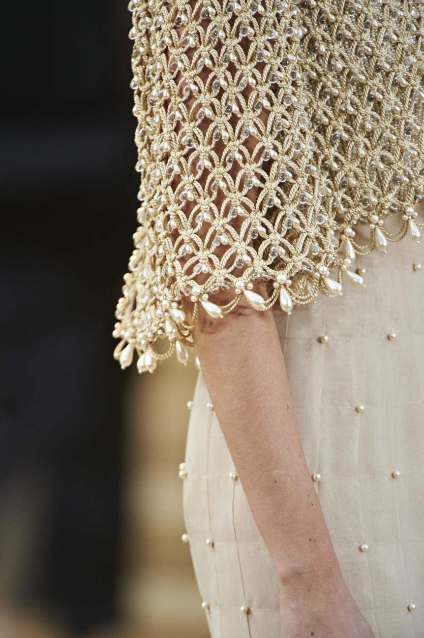 chanel-haute-couture-spring-summer-2016-details-18