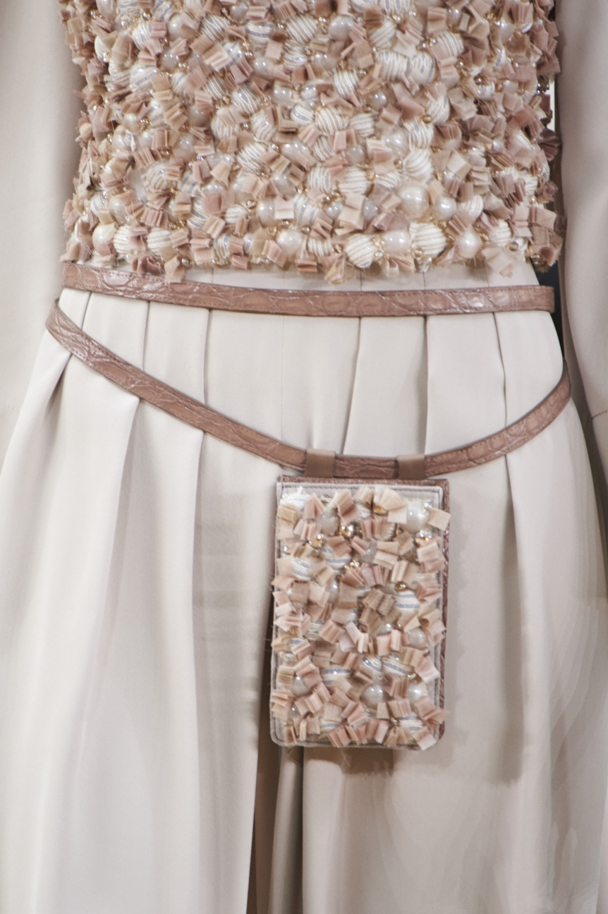 chanel-haute-couture-spring-summer-2016-details-19