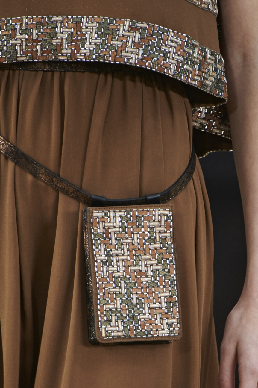 chanel-haute-couture-spring-summer-2016-details-20