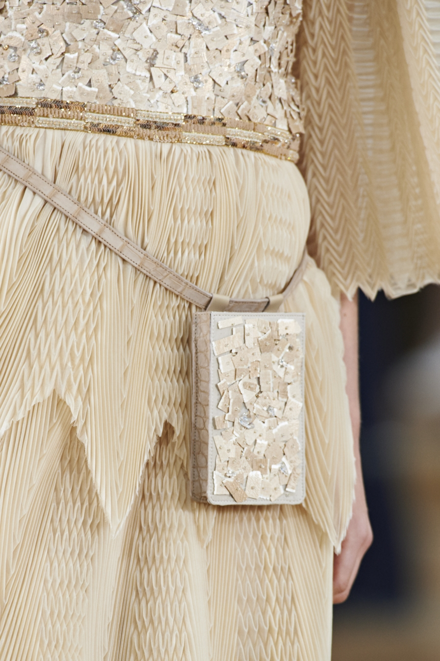 chanel-haute-couture-spring-summer-2016-details-22