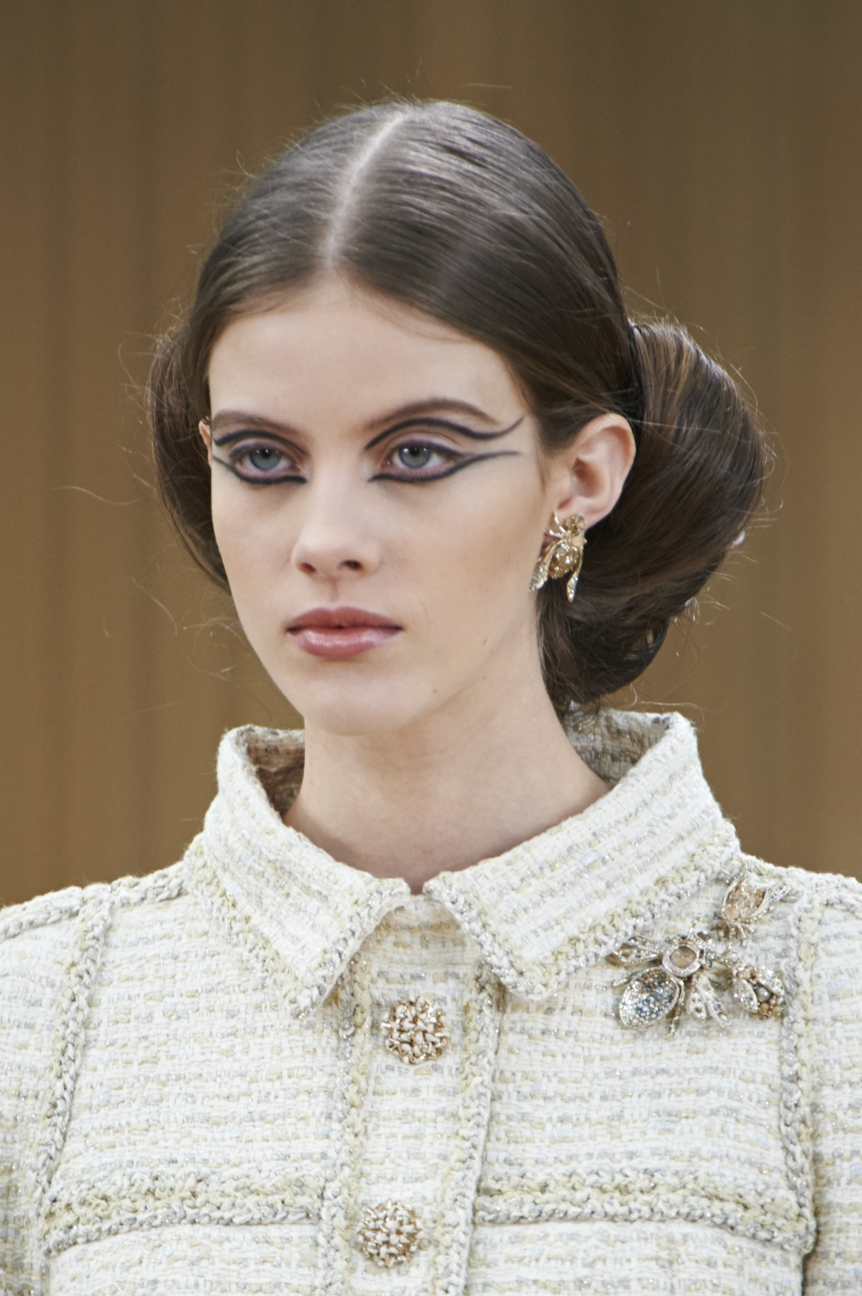 chanel-haute-couture-spring-summer-2016-details-3