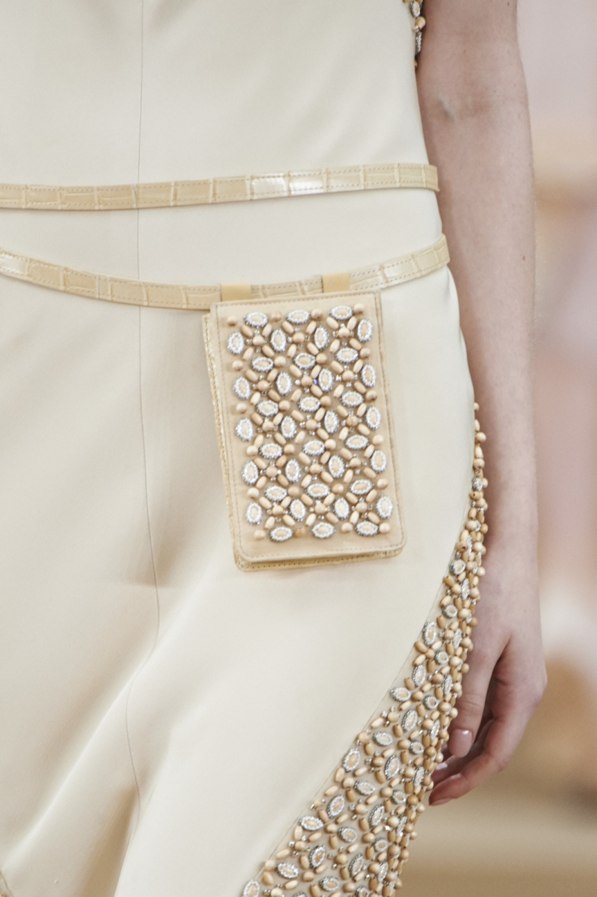 chanel-haute-couture-spring-summer-2016-details-30