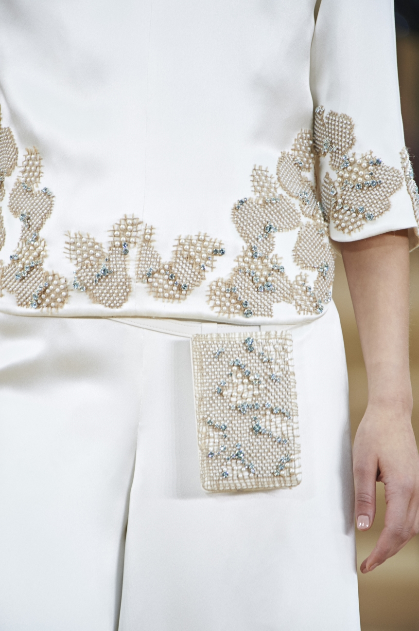 chanel-haute-couture-spring-summer-2016-details-34