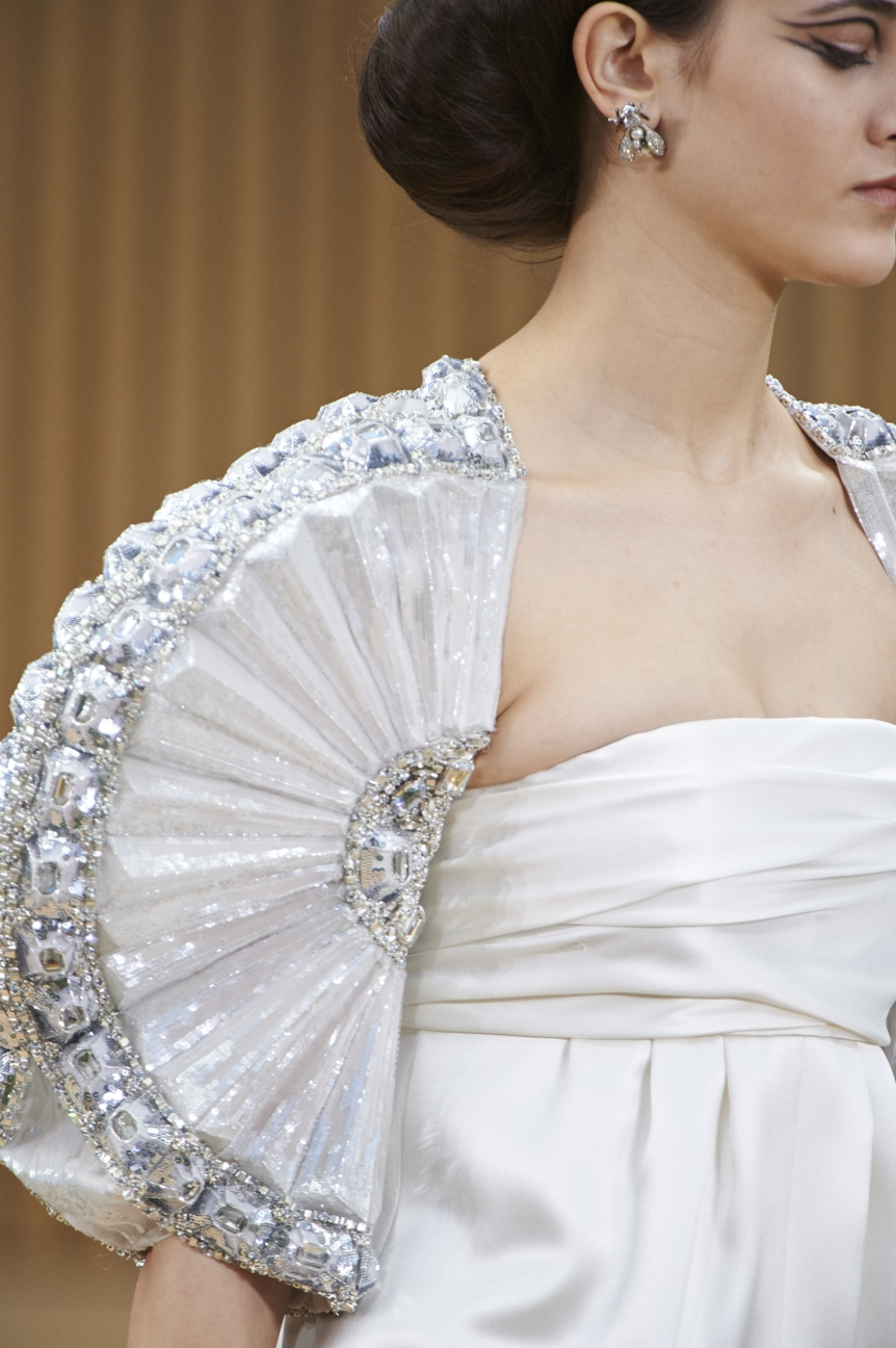 chanel-haute-couture-spring-summer-2016-details-36