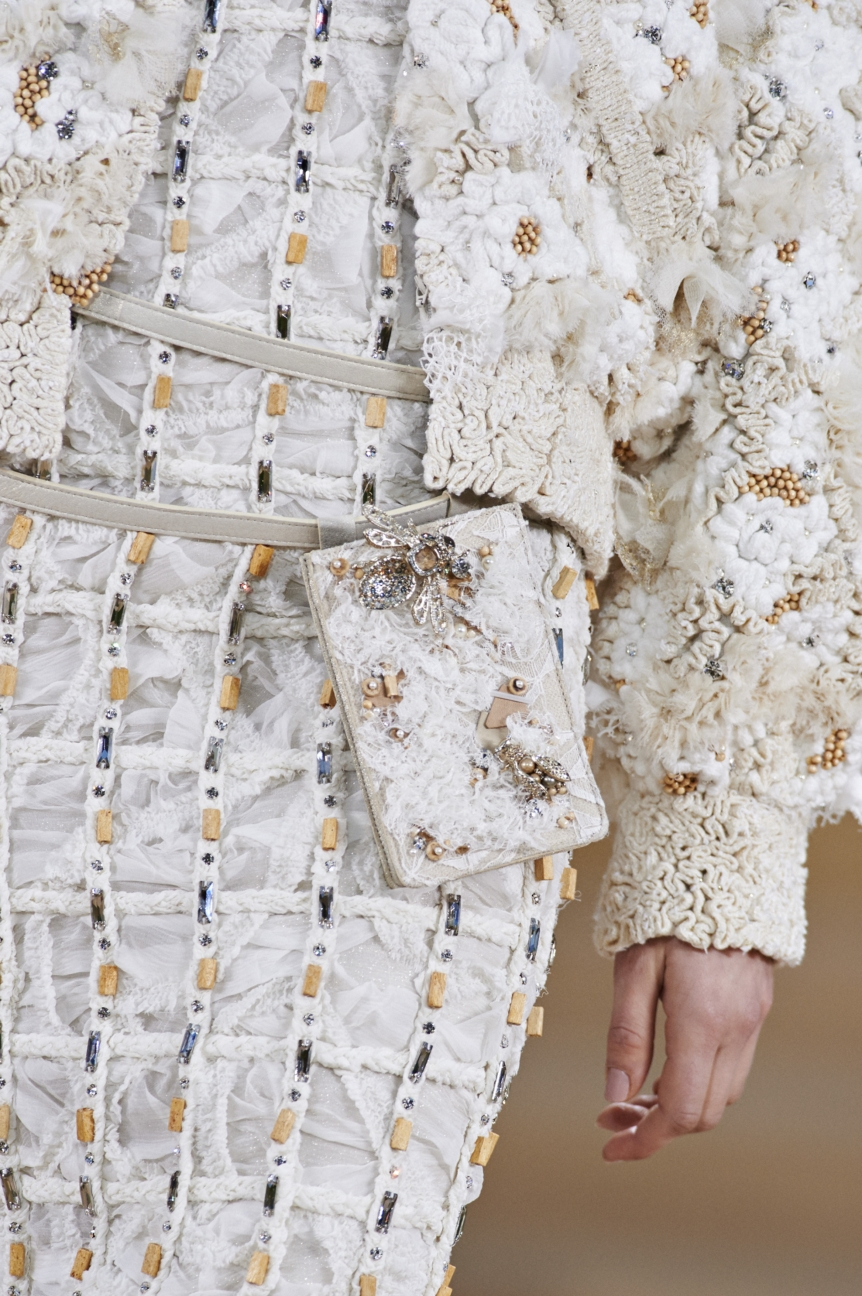 chanel-haute-couture-spring-summer-2016-details-40