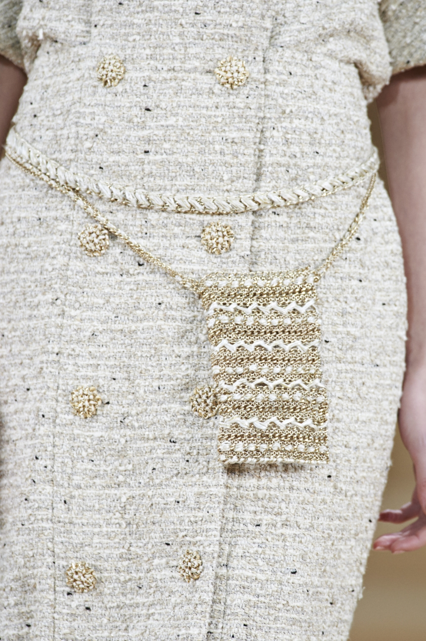 chanel-haute-couture-spring-summer-2016-details-5