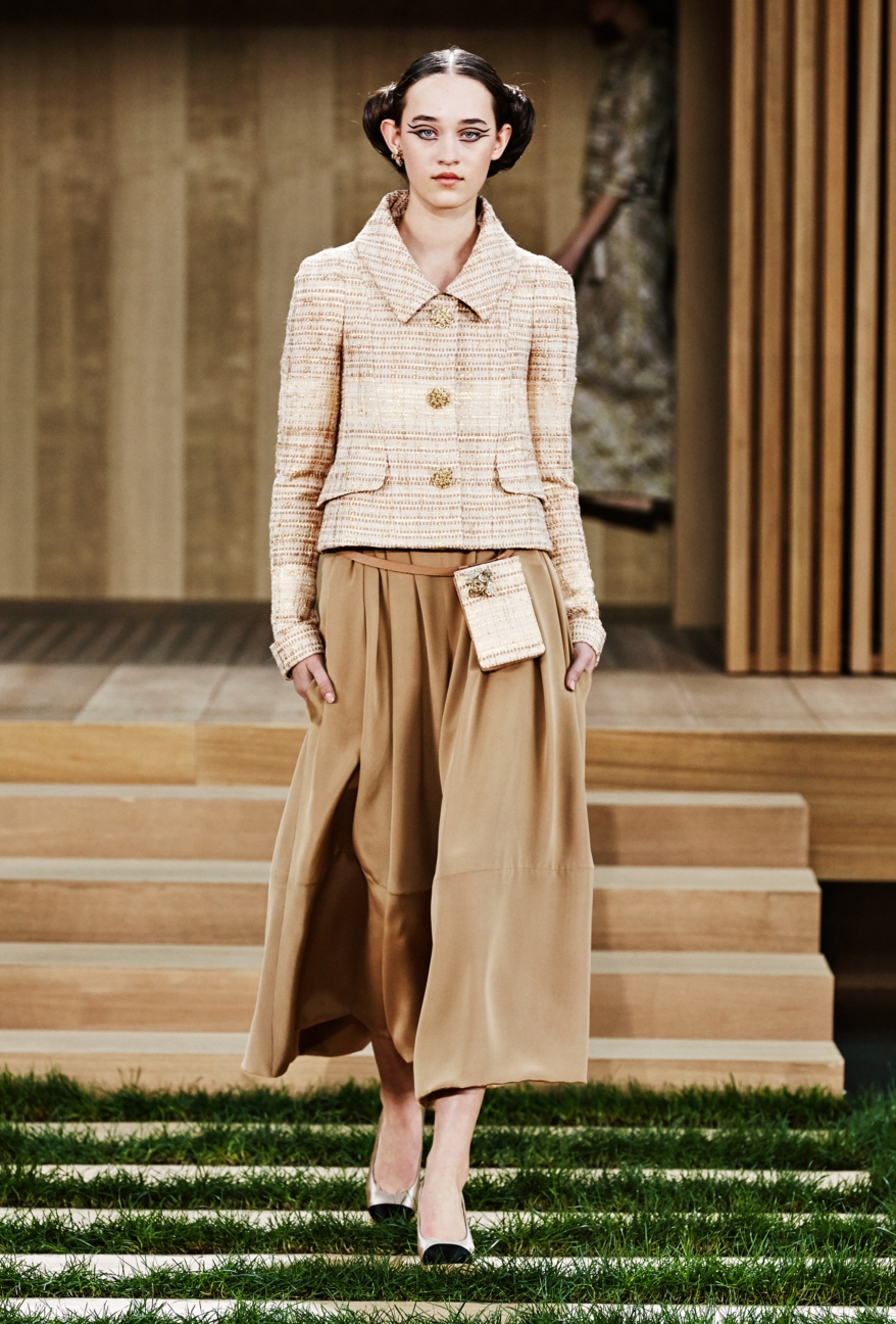 chanel-haute-couture-spring-summer-2016-16