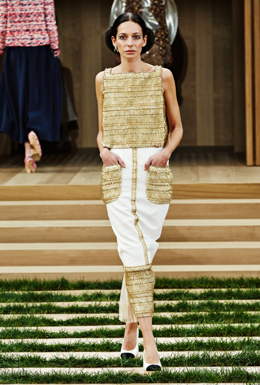 chanel-haute-couture-spring-summer-2016-23