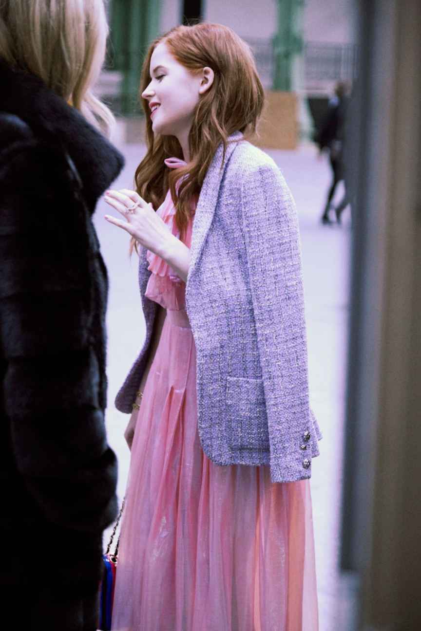 13_ss-16-hc_vip-picture-by-stacy-fuller_ellie-bamber